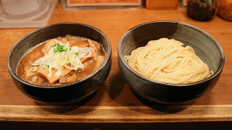 濃厚魚介沾麵(+ 全部配料)