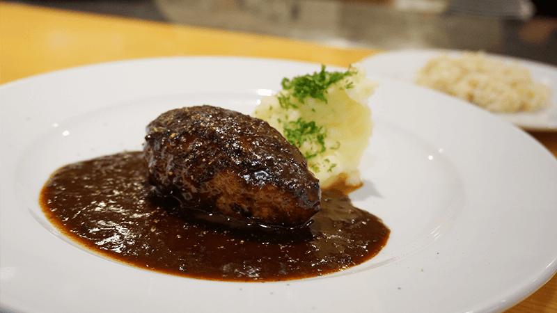 最佳漢堡排套餐 (The best hamburg steak set)
