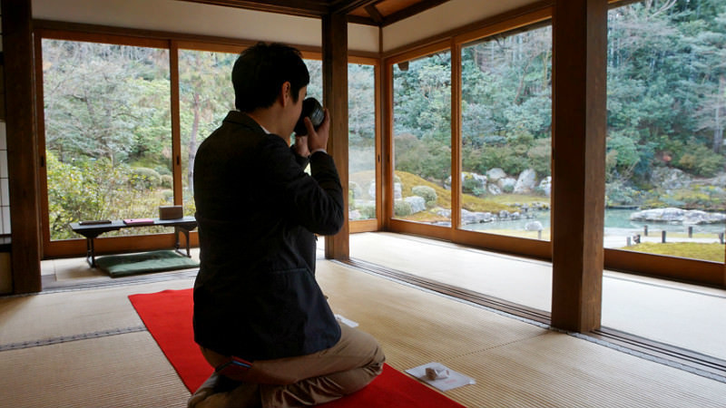 Tea ceremony experience in a temple