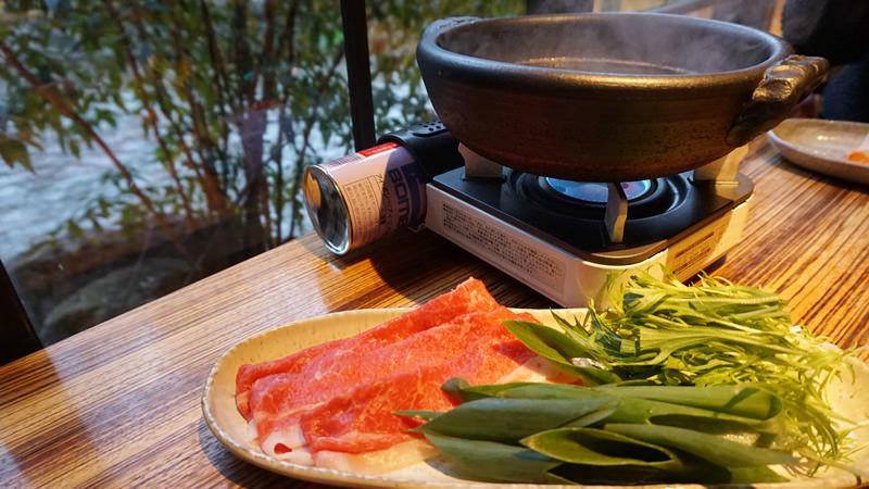 和牛涮涮鍋和蔬菜