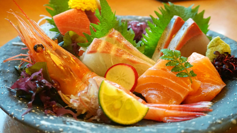 Assortment of five types of sashimi (Plum)