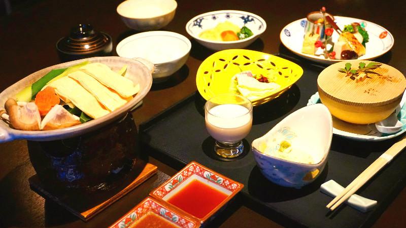 腐皮全餐(ゆば尽くし)
