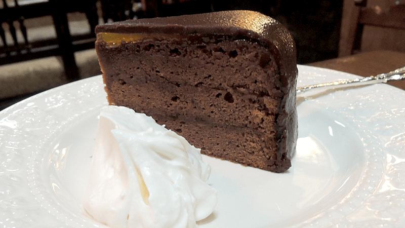 Sachertorte(chocolate cake filled with apricot jam)