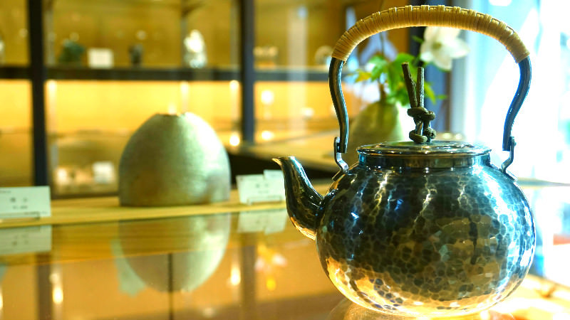 Tasteful teapots with an artful patina