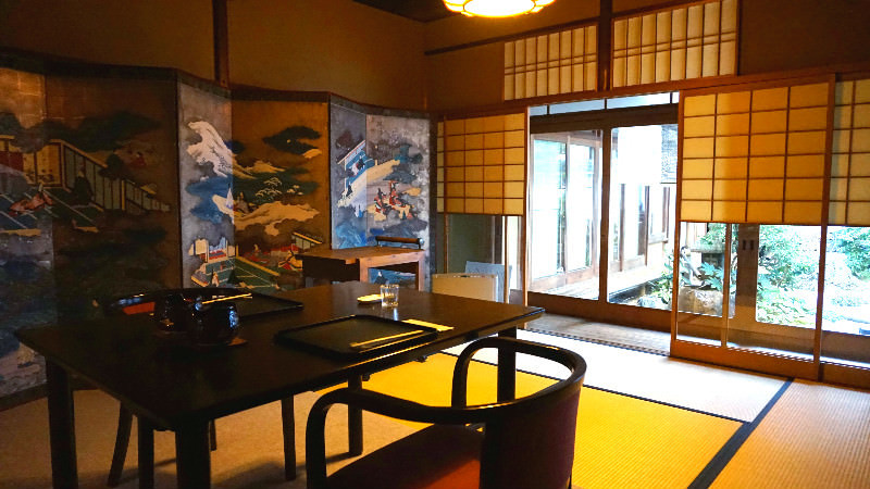 Enjoy the Japanese space at the overflowingly tasteful renovated town house built 140 years ago