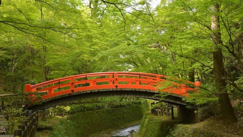 Kitano Tenmangu's vermilion bridge