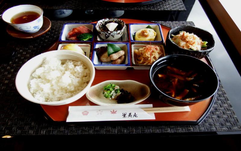 「榮壽庵御膳」,本餐廳的特別套餐