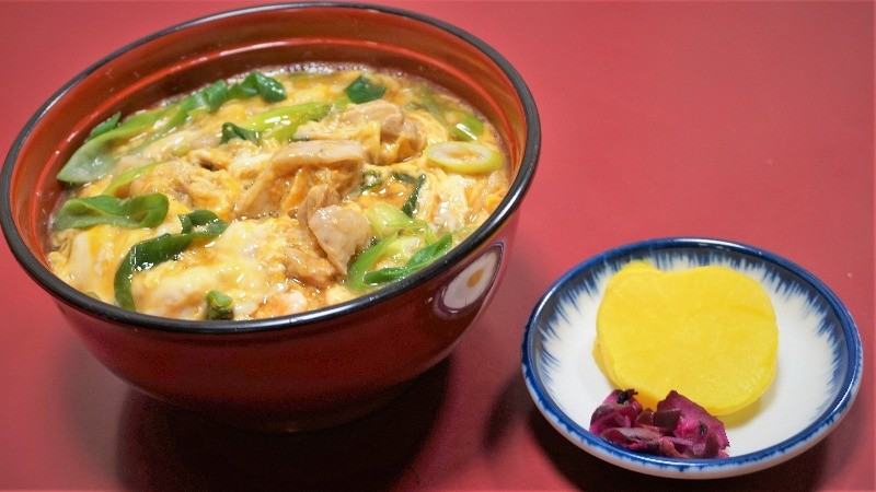 Oyakodon (chicken rice bowl)