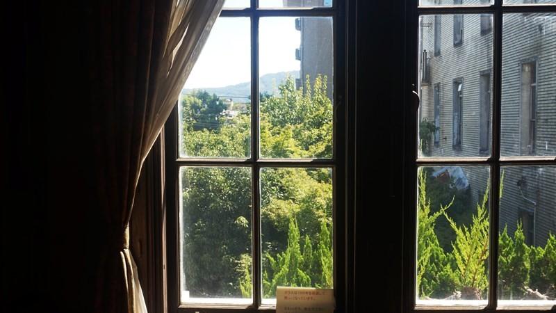 試著從舊知事室眺望比叡山