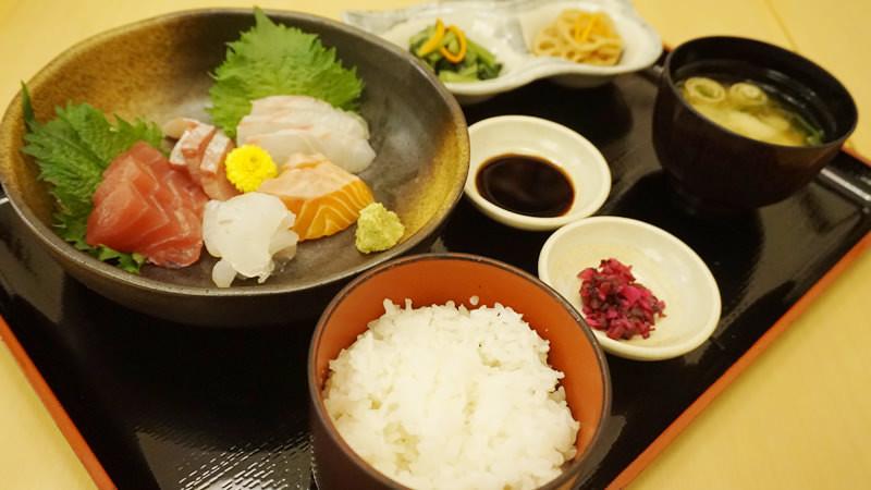 今日生魚片御膳:5 種生魚片