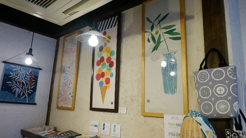 Tenugui can also be hanged on a wall!