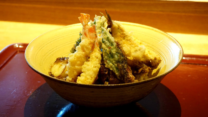 Ten don (tempura rice bowl)