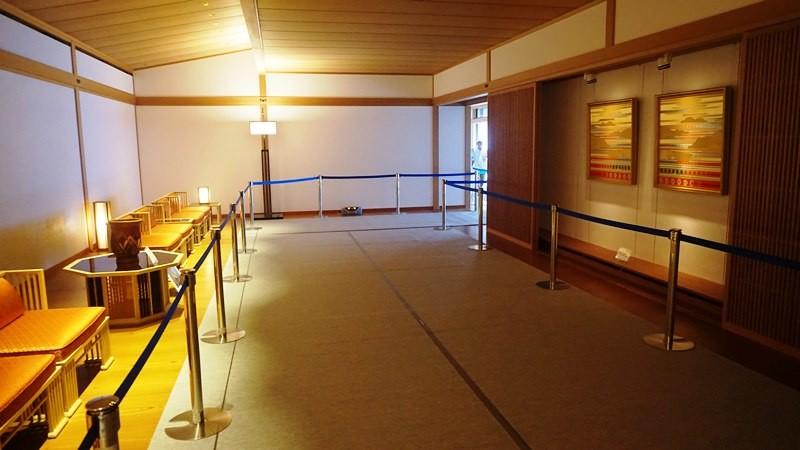 欣賞 Juraku no Ma(接待室)裡的照片
