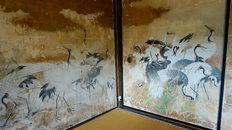 超過 100 幅襖繪(和式拉門)