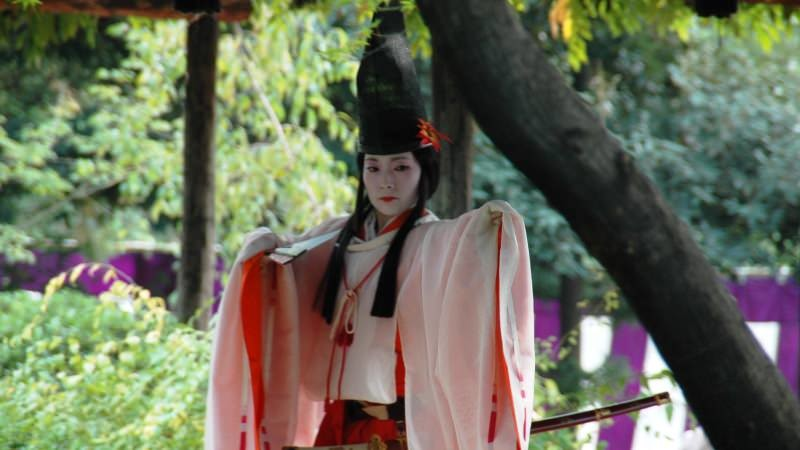 Shirabyoshi female dancers perform a dance