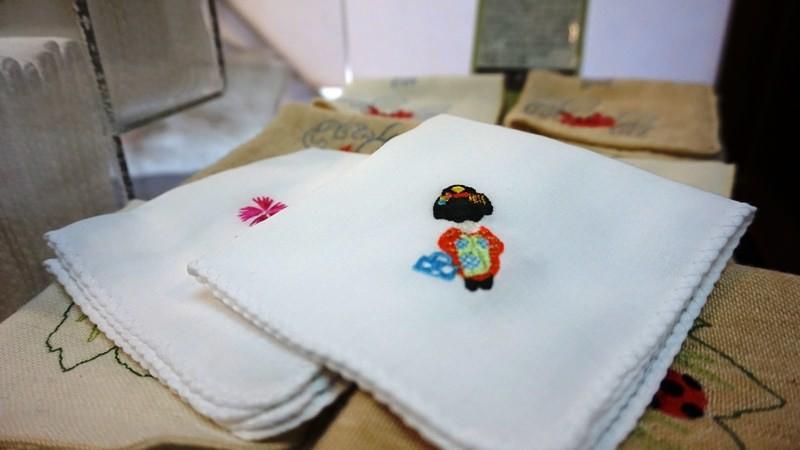 Mini embroidered gauze handkerchief