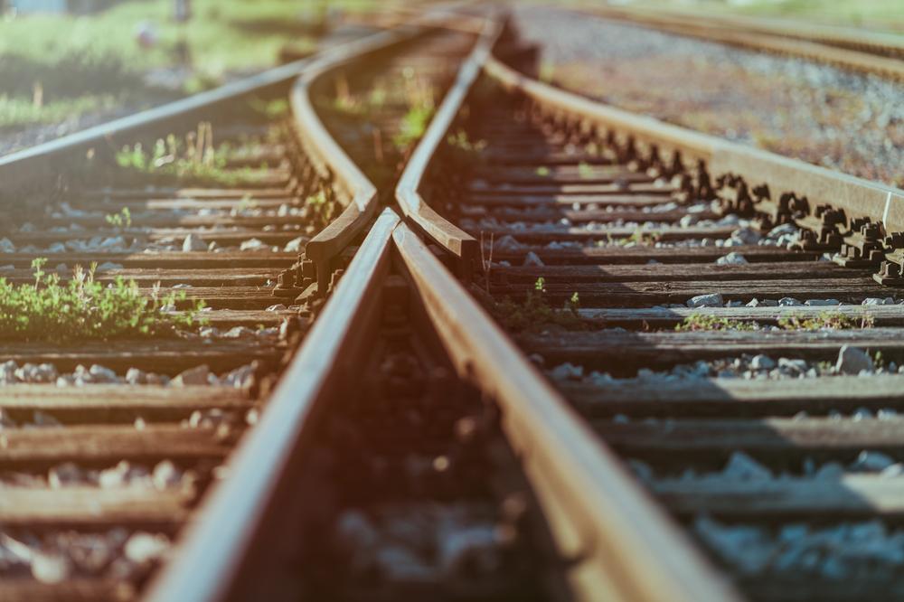 2つに分かれている線路