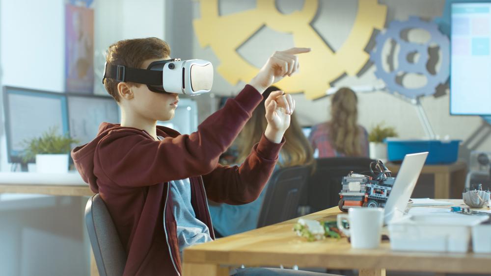VRを使用する子供
