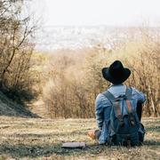 後ろ姿をハンサムにする。グラビスのおすすめメンズリュックサック10選 | Smartlog