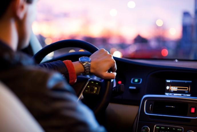 ドライブデート 安全運転