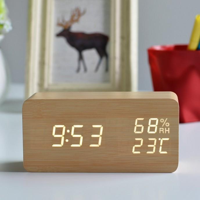 木目がおしゃれなデジタル置き時計