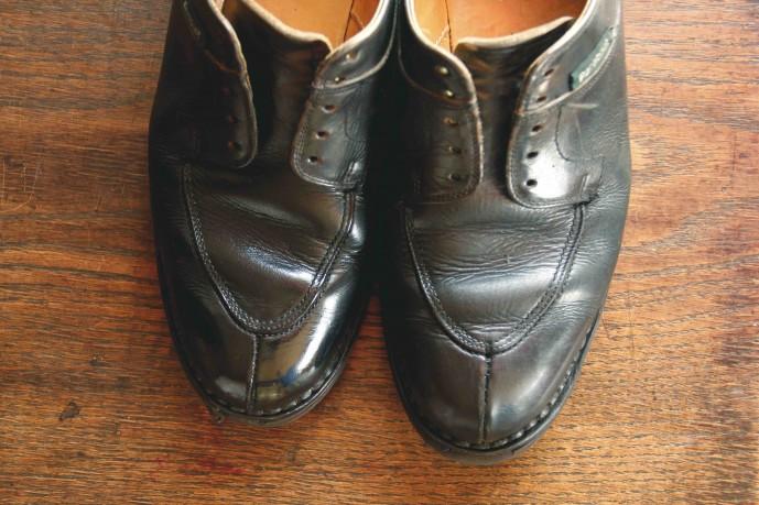 靴磨きで美しくなった靴