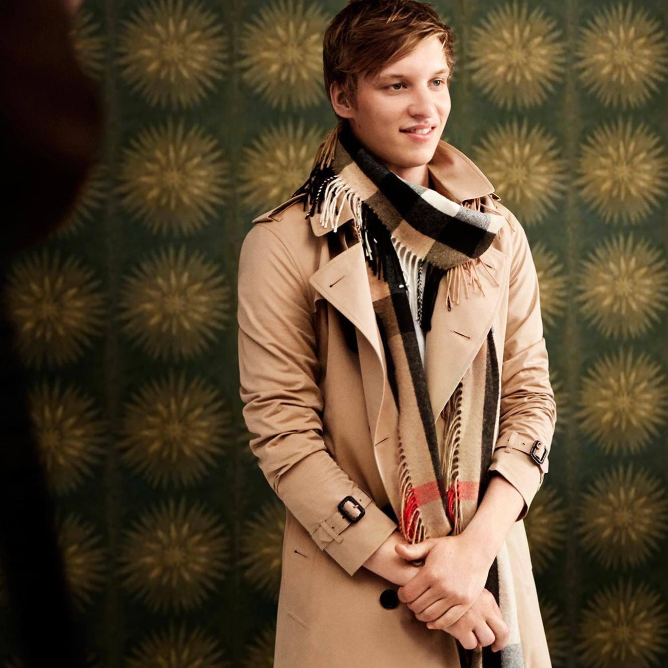 メンズコート人気おすすめブランド12選。冬に大人の格式を。|SmartlogSmartlog20代・30代向けに、ビジネスはもちろんカジュアルにも着こなせる、人気のおすすめ