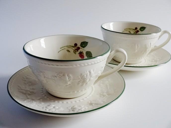 結婚祝いのプレゼントにウェッジウッドのカップ&ソーサー