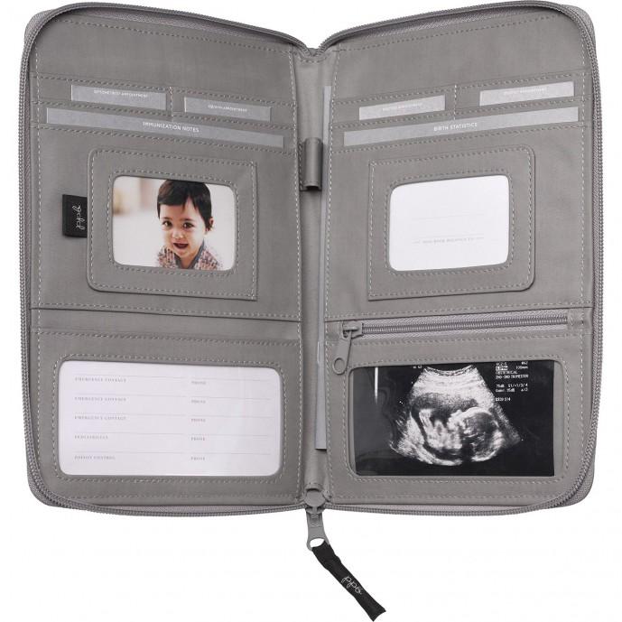 出産祝いでプレゼントする母子手帳ケース