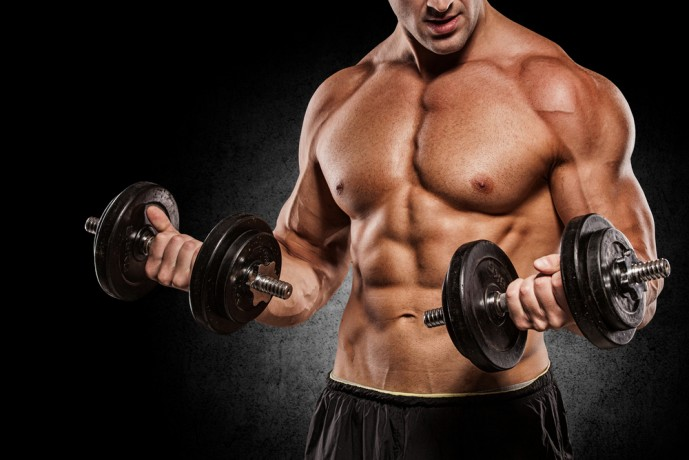 上腕二頭筋の効果的に鍛えられるダンベルトレーニング