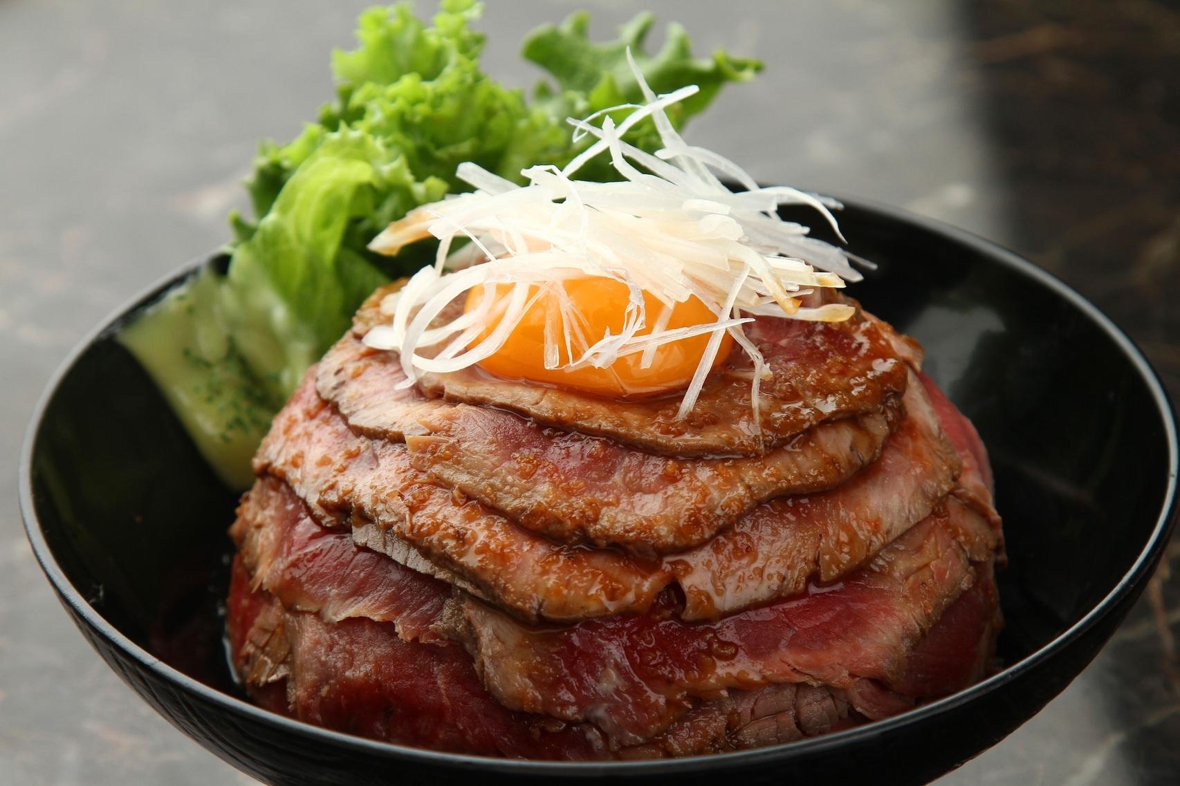 at Den ローストビーフ丼