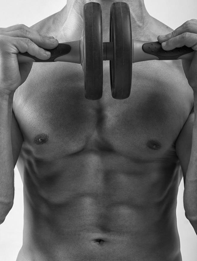腹筋ローラーで効果的鍛えられるやり方
