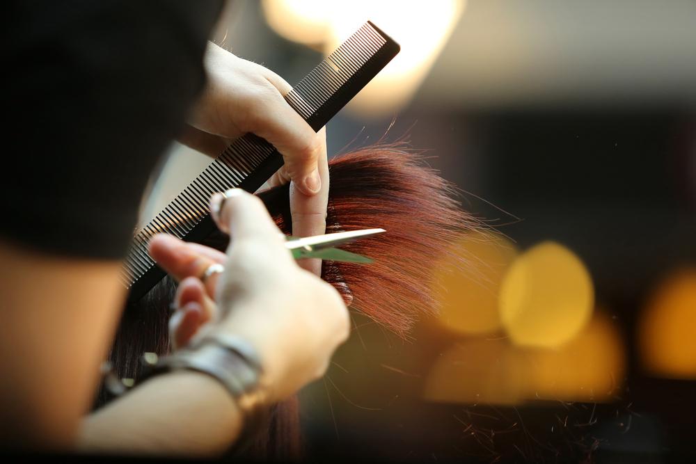 女性美容師 勤務形態