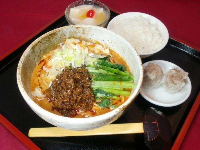 秀山のおすすめ担々麺
