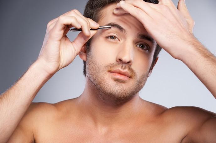 茶髪男子 眉毛 カラー