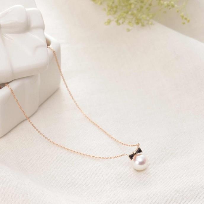 ムーンレーベルの真珠のネックレス