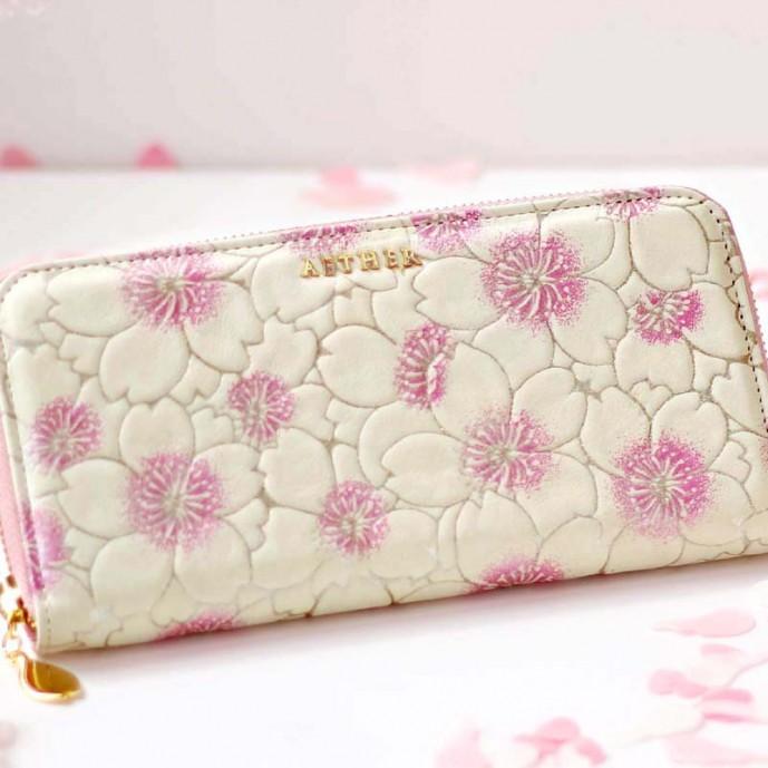クリスマスプレゼントに贈るエーテルのサクラの財布