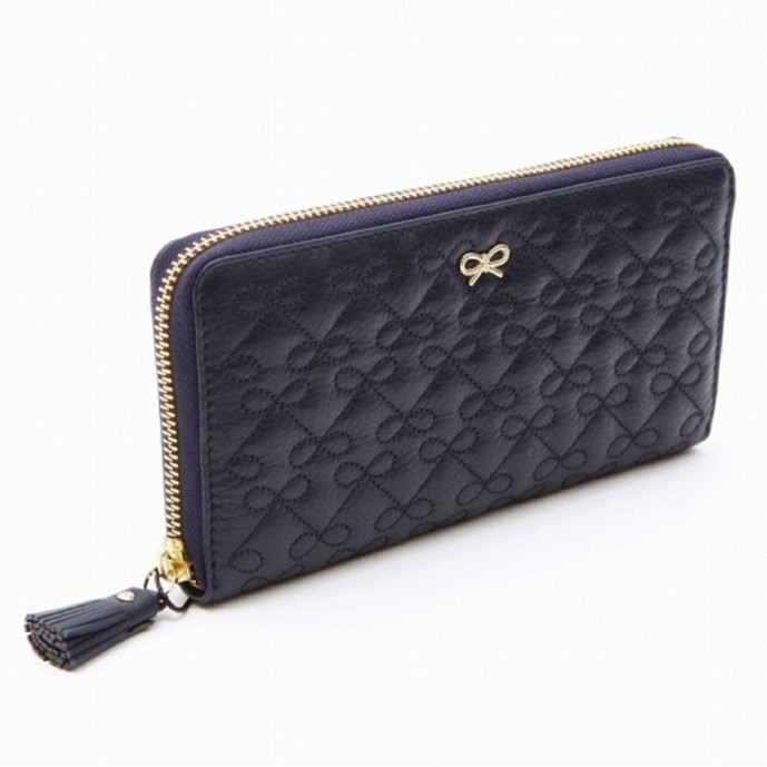 アニヤ・ハインドマーチの財布
