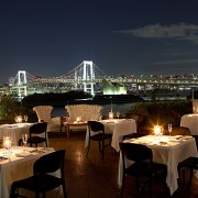 お台場の夜景が一望できるレストラン