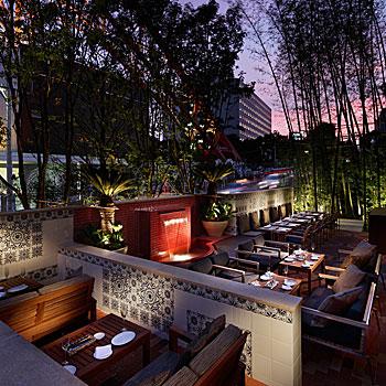 タンゴのテラス席からの夜景