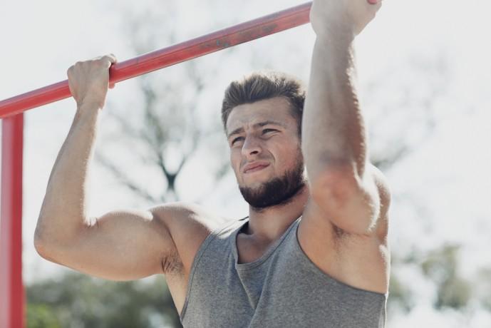 上腕二頭筋の効果的に鍛えられる自重トレーニング