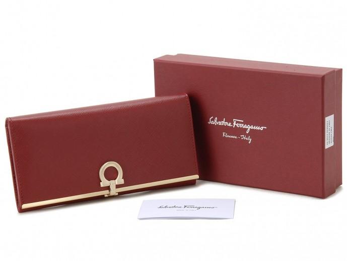 フェラガモの長財布をプレゼント