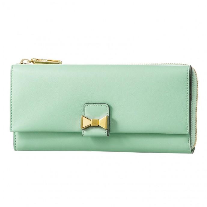 クロエの長財布をプレゼント