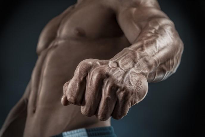 腕に効果的なデッドリフト