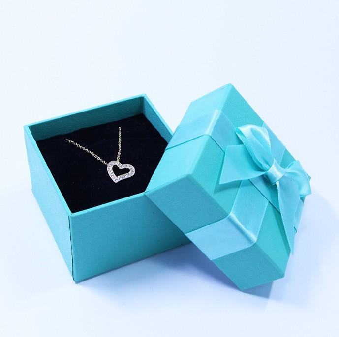 クリスマスプレゼントに1万円以下で購入できるプロプールのギフトボックス2