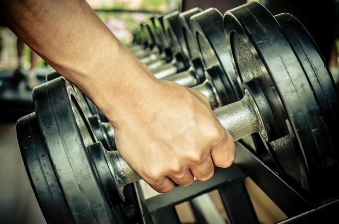 筋肥大をするなら必要な筋トレBIG3に必要なアイテムのダンベル