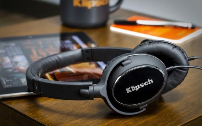 クリプシュのヘッドホンR6i On-Ear KLR6IEH111