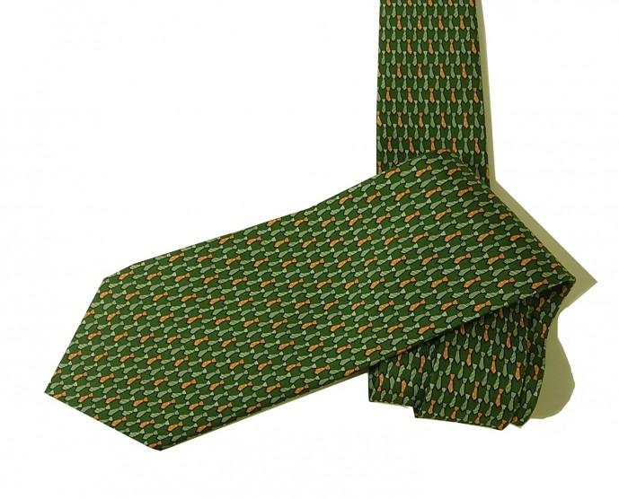 男友達の誕生日にフェラガモのネクタイをプレゼント