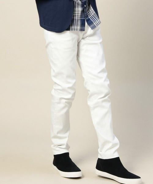 白パンツを組み合わせた定番コーディネート