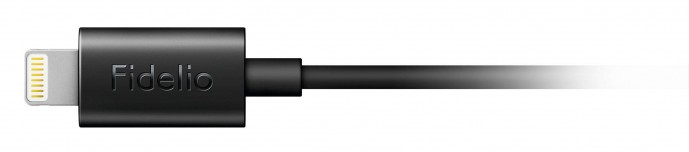 ライトニングコネクタ付きヘッドホンPHILIPS Fidelio M2L